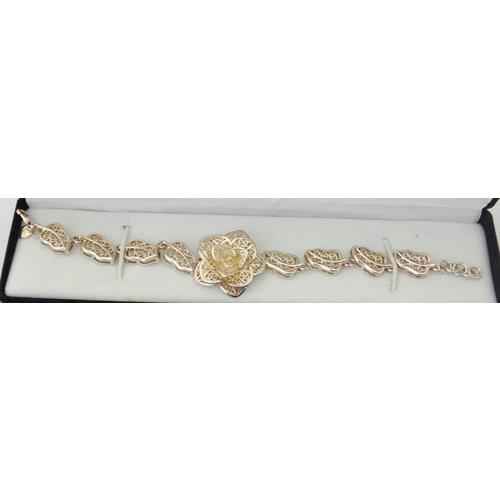 Sterling Silver Pierced Flower & Leaf  Bracelet. Marked .925.