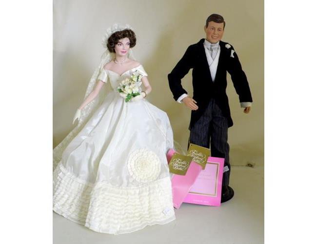 Franklin Mint John F Kennedy & Jacqueline  Kennedy Heirloom Bride