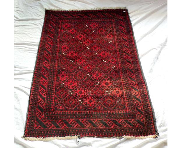 Antique Red Turkish Rug 140 x 94 cm