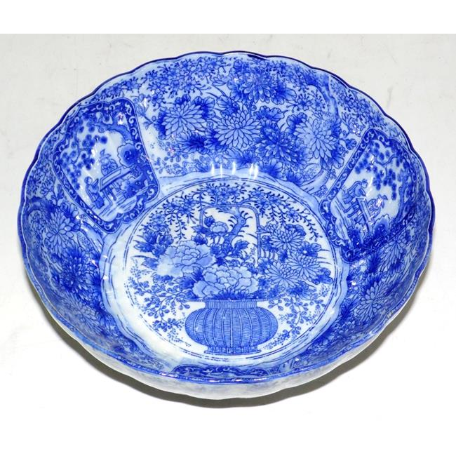 Large Japanese Imari Pattern Bowl. Meiji Period.