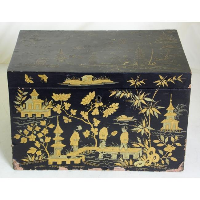Georgian Chinoserie Tea Caddy . Late 18thc