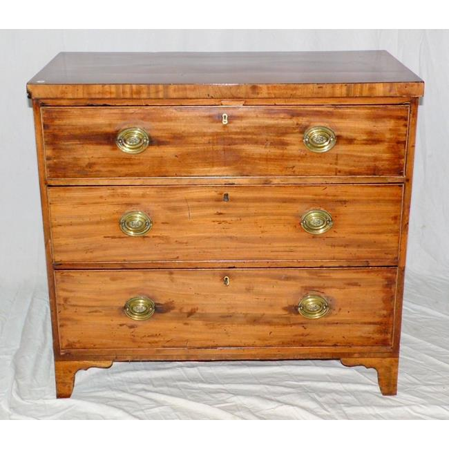 An Attractive George IV Mahogany Chest of Drawers.
