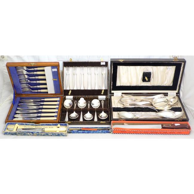 A Collection of Sliver Plate EPNS Flatware