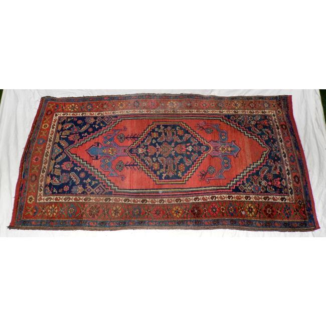 A Bakshaish Persian Carpet.81 x 42 inches