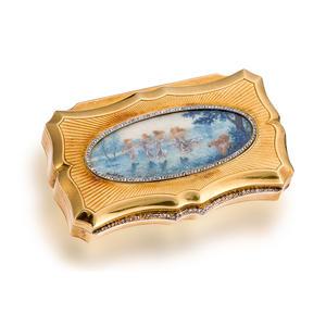 An antique eighteen karat gold and diamond box